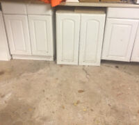 White Cabnets an Counter Tops