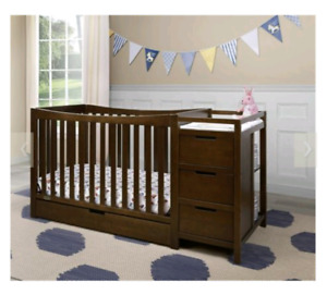 Graco 4in1 Crib and Change Table