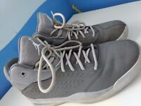Light Grey Nike Jordan Trainers - Size 7