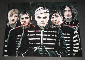MY-CHEMICAL-ROMANCE-PP-BAND-SIGNED-10-X8-PHOTO-REPRO