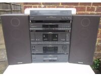 Toshiba Hifi System Turntable, double Tape, Amp, CD & Speakers