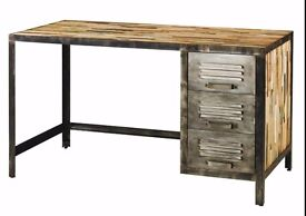 TO SELL WOOD & METAL DESK + CHAIR