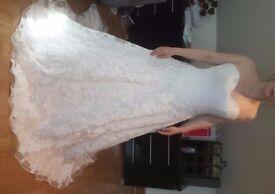 Stunning Unworn Essence of Australia wedding dress D1520 Size 12-14.