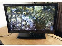 "32"" LG 32LE3300 HD LED TV for sale"