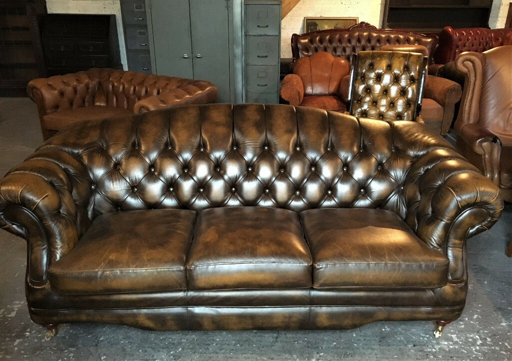 Astounding Thomas Lloyd Antique Gold 3 Seater Chesterfield Sofa In Limavady County Londonderry Gumtree Gmtry Best Dining Table And Chair Ideas Images Gmtryco