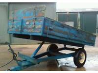 Tipping trailer £450