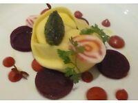 Comis chef, 2AA rosette gastro pub, live in possible