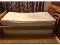 Single bed, with guest bed