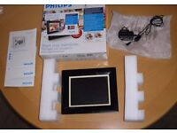 "Phillips electronic 8"" photoframe c/w with 1gb SD card"
