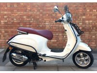 Vespa Primavera 125cc (16 REG) White, Immaculate condition, only 741 miles, Lots of extras!