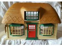 SYLVANIAN FAMILIES MEADOW CROFT COTTAGE AND DELUXE COUNTRY MANSION.
