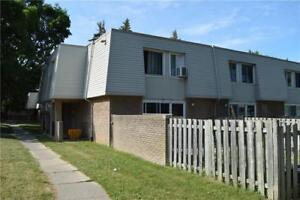 174 17 OLD PINE Trail St. Catharines, Ontario