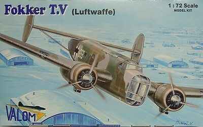 Neuheit Waffen (Fokker T.V  Luftwaffe Beute, Valom, 1:72, Plastik, NEUHEIT)