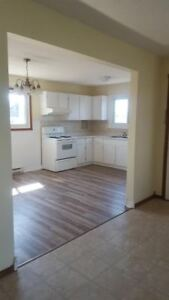 BRIGHT SUNNY 3 BEDROOM  PRICED LIKE A 2 BEDROOM