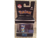 Pokemon - Piplup in Display Case (TOMY) - Brand New Toy / Collectible