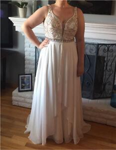 Beautiful Jovani Off White Prom/Wedding Dress