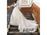 Stunning vintage lace wedding dress only £150 size 8-10
