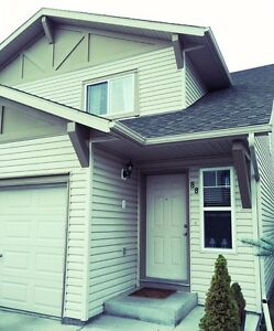 Cozy townhouse for sale.. motivated seller..