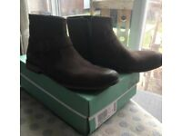 Clarks Chelsea vintage brown boots size 9