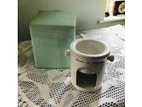 Avon White Fondue Set