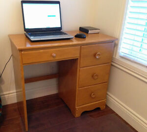 Bureau / writing Desk, compact