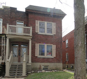 NDG fully renovated 5 1/2 near Loyola Campus