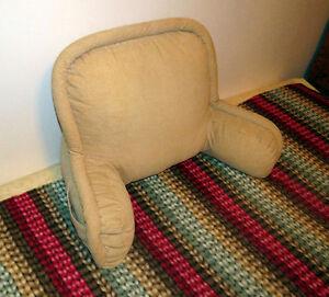 Coussin de soutien lombaire avec accoudoir de canapé et pochette