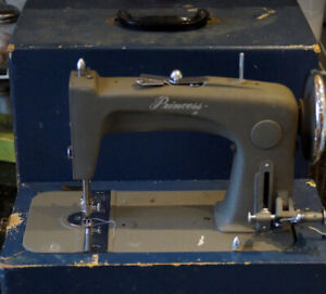 WESTINGHOUSE PRINCESS 52F PORTABLE SEWING MACHINE