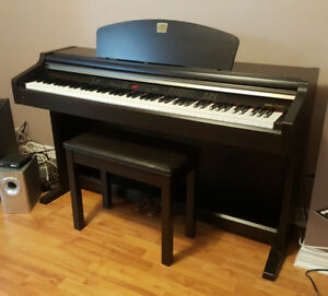 Yamaha Clavinova CLP-930 Digital Full Size Piano