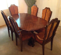 VICTORIAVILLE FRENCH PROVINCIAL 9PC DINING ROOM SET $500 OBO!
