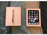 Boxed Apple iPad 2 in White, 16GB, WI-FI, 2nd Generation