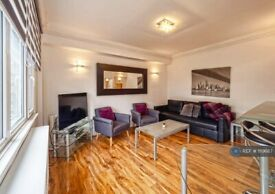 1 bedroom flat in Wallace Court, London, NW1 (1 bed) (#1119687)