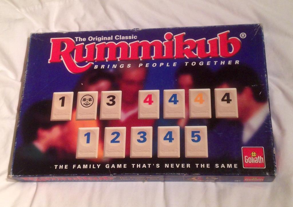 ORIGINAL WORD RUMMIKUB GAME. RARE 1995 GAME BY GOLIATH. COMPLETE AND GC.
