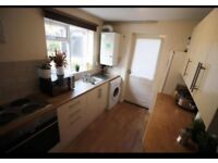 HOUSE AVALIABLE TO RENT. IDEAL FOR STUDENTS/PROFESSIONALS