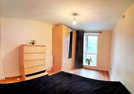 BREXIT PRICE DEDUCTION!!! LOVELY ROOM, SUPER AREA, CLOSE TO THE CENTRE! TUBE NEXT TO THE HOUSE
