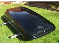 Roof box Mont Banc Vista 450 gloss black including aero roof bars for cars with roof rails