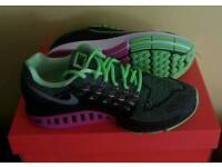 New women Nike Air zoom structure 18 UK (7.5)