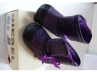 DIESEL EXPOBOOT-B SLIPPERS – GIRLS FIRST DRESS BOOT SLIPPERS IN VIOLET AND BLACK POLYESTER