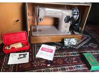 Singer sewing machine 201k electric with Lots of Feet