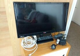 LG TV 22 inches, in perfect condition