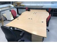 1400mm Maple Right Waved Desk