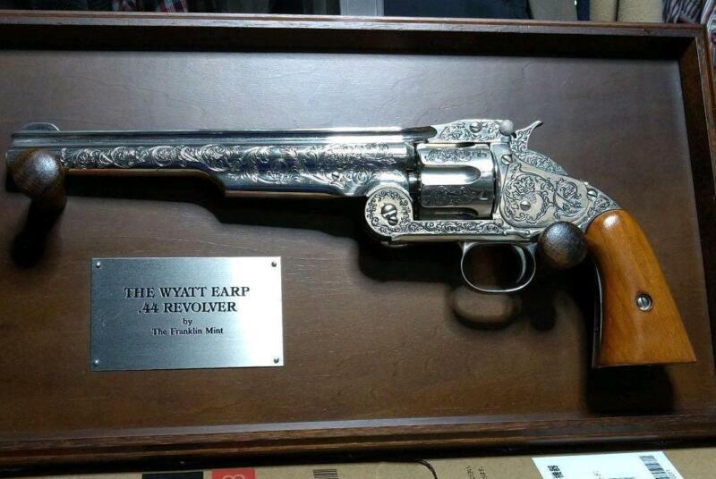 Franklin Mint Wyatt Earp 44 Revolver with Frame S&W Toy Gun Japan Import