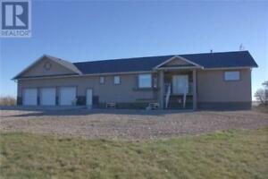 Executive Acreage 5 minutes from the city Swift Current Rm No. 1