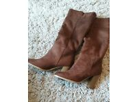 Ladies brown boots size 4