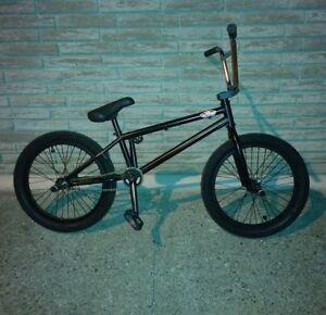 A Bike/bmx
