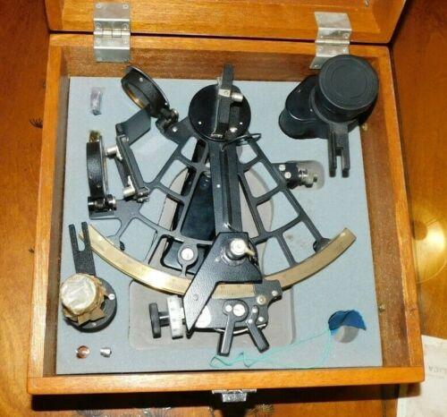 Vintage RARE Japanese Oaklet Mariner Sextant w/ 2 Lens
