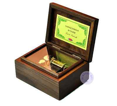 """Compete with """"Canon in D Major"""" Melody 30 Note Walnut Unintelligent Sankyo Wind up Music Box"""