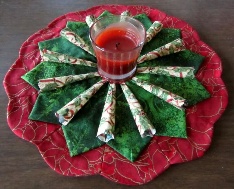 Christmas Candle Mat w/3D Green & Red Dresden Wedge Embelishments Handmade AL-76