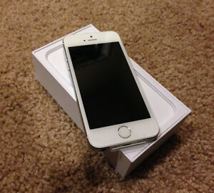 Iphone 5s 16GB Rogers/Chatr with Apple warranty