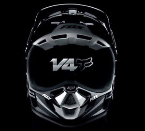 Fox v4 carbon fiber helmet